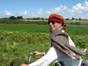 maria på cykel