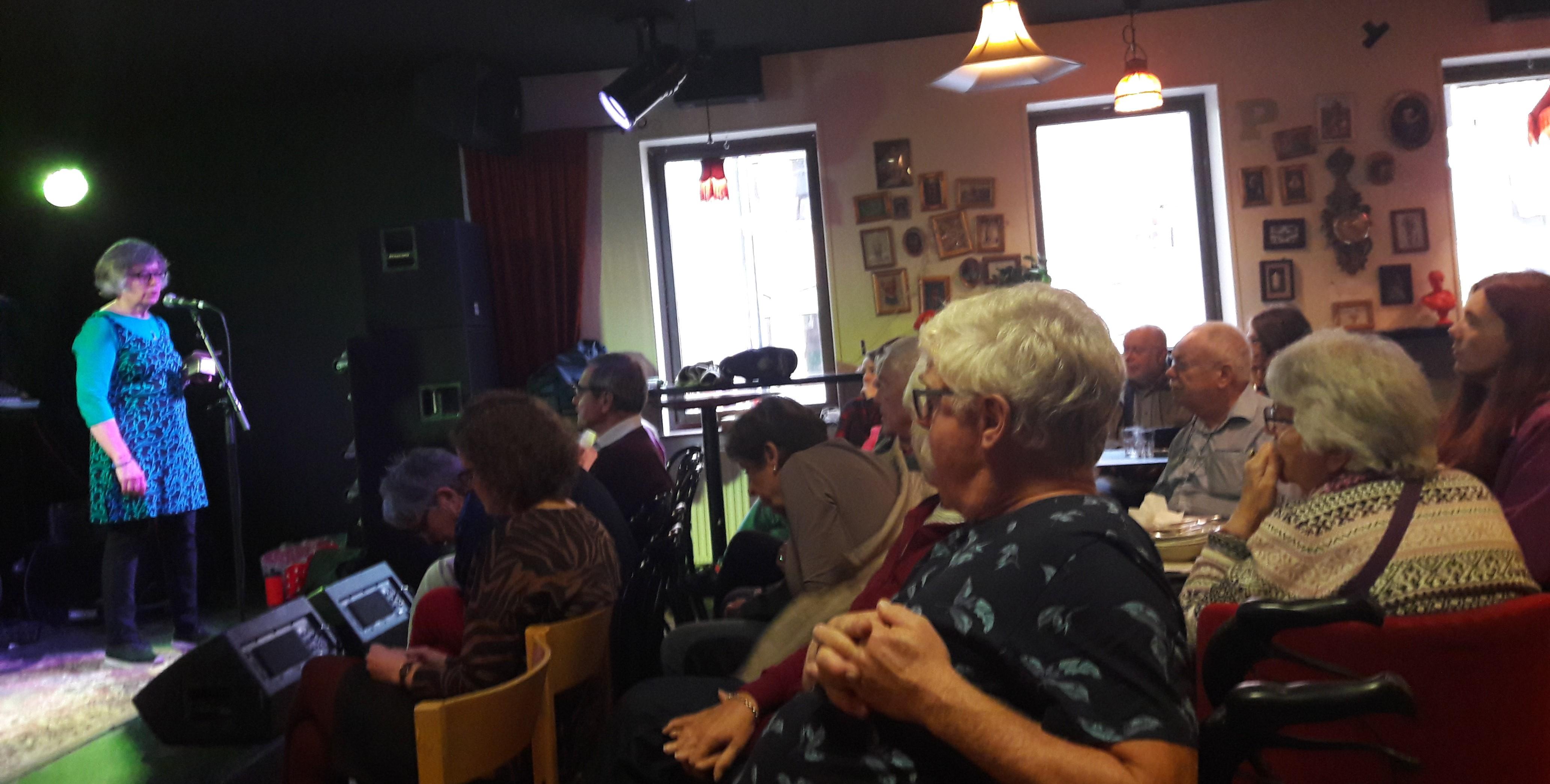 2019-09-28 Dynamo BNN Falska Sonja Wretsen o publik